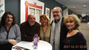 Rudko Geri s manželkou a priateľmi